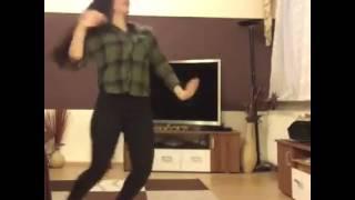 Pakistani girl dance on Tamma tamma song