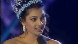 MISS WORLD 2000 Yukta Mookhey Final Walk