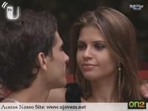 BBB10 Claudia & Eliezer first kiss 20 01 2010