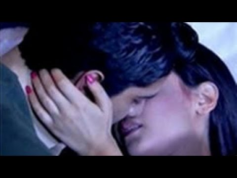 Television Couple's  STEAMY & HOT Kissing Scene – Top 5