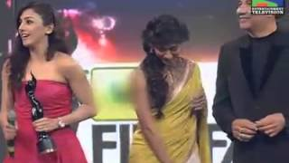Neeti Mohan receiving award for