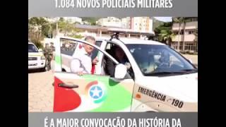 Governador Colombo fala com policiais pelo radio da PM
