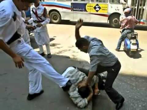 Xxx Mp4 ملخص ثورة يناير هنا الفيديو اللى بسببه قامت الثورة و اسقط مبارك واوعى تحبس دموعك 3gp Sex