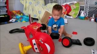 Unboxing & Assembling Disney Pixar Cars Lightning McQueen Ride-On Car Toy