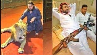 GOLD से लदा रहता है ये पाकिस्तानी, लोग इसकी लाइफस्टाइल के हैं फैन