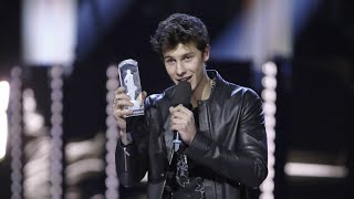 Shawn Mendes Wins JUNO Fan Choice Award Presented by TD at The 2017 JUNO Awards