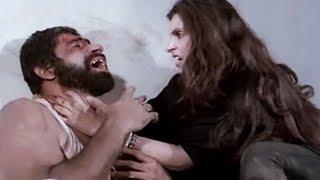 Dimple Kapadia, Mera Shikar - Action Scene 14/16