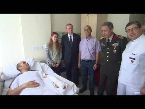 Cumhurbaşkanı Erdoğan, Jandarma Özel Harekât Tabur Komutanı Binbaşı Tetik'i Ziyaret Etti