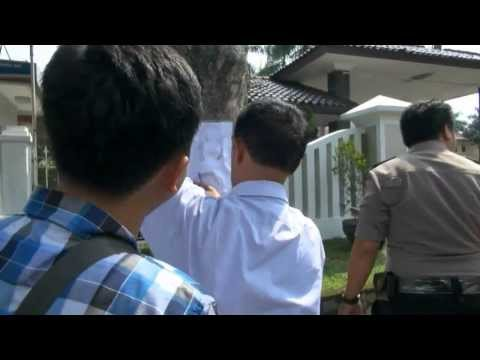 NET24 Olah TKP pembunuhan jasad dalam koper digelar di kamar kos korban