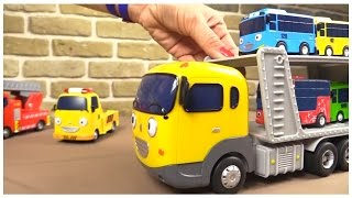 TAYO TOYS ⭐︎TRANSPORTER Toy Demo! ⭐︎ 타요 Tayo the Little Bus Happy Friends Игрушечный автовоз из Тайо