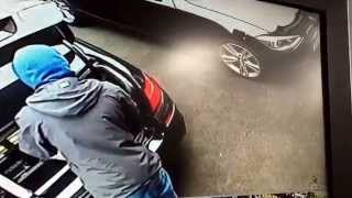 Scum thief easily gets in to new BMW F10 within seconds, BMW security flaw! BEWARE!