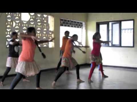 Sri Lanka dance class for girls