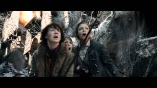 The Hobbit - People of Laketown fight back part 2