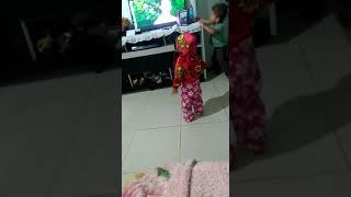Tia e subrinho dansando fuk.
