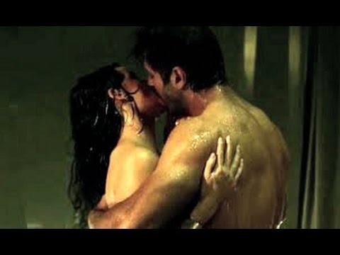 Xxx Mp4 Ok Jaanu Hot Bed Scene Shraddha Kapoor And Aditya Roy Kapoor Hot Scene 3gp Sex