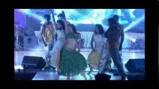 Sonali Kulkarni Performing on Fevicol Se....!