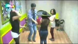 رقص رنا وسكينة وعبدالله وماريا  3/11/2013