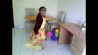 Chanda Chamke Cham Cham Dance