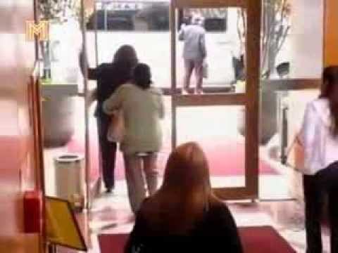 Broma puerta con vidrio invisible