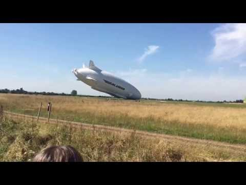 Airlander 10 crashing into the ground cardington shed airship