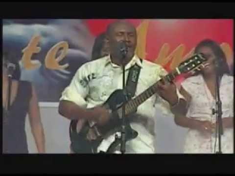 Lázaro ex Olodum Música Eu sou de Jesus