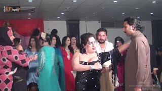 HOT BUBBLY MUJRA AT WEDDING PARTY 2016