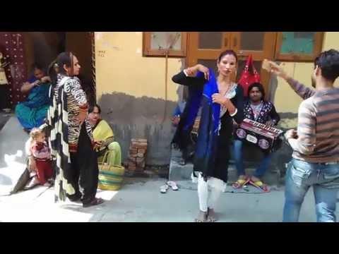 Punjabi Hijra Narinder Hijra ( Rani Hijra ) Dance Performing in Delhi Sabka Malik Ek Hai Sai