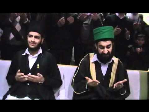 Hazarat Pir Muhammed Naqeeb Ur Rehman Sahib Eidgah Sharif arrival Heathrow London 23 2 2011