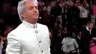 Benny Hinn Sings Worships songs 43 minutes