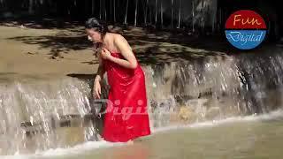 Ganga river bath by Hindu women