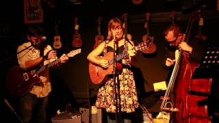 She Leaves - Melanie Horsnell, Brian Campeau, and Mark Harris (Live at Mona Vale Music)