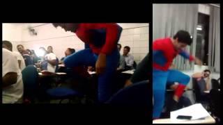 Homem Aranha na sala de aula 'DIA DE PROVA'