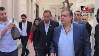 لحظة دخول محمود الخطيب لتقديم أوراق ترشحه لانتخابات الأهلي