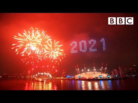 London s 2021 fireworks 🎆 Happy New Year Live 🔴 BBC