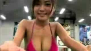 Cutest Japanese Hot'n'Sweaty girl at the Gym Part 1