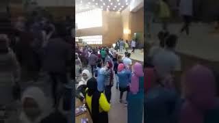 رقص شعبى داخل كلية حقوق جامعة عين شمس