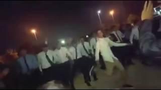 شباب مصريين،رقص شعبي فشيخ في الامارات على اغنية علشانك محمد رمضان