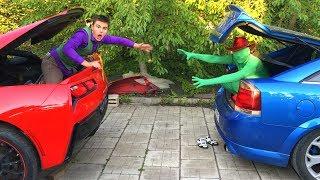 Mr. Joe in Trunk Corvette VS Green Man in Trunk Opel Vectra OPC w/ Magic for Kids