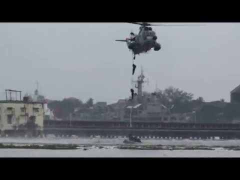 Xxx Mp4 Hot Nayanthara Vijay Acting Helicopter Jump Risky And Sexy Film Shooting Clip Xxx Media 3gp Sex