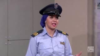 موظفة الأمن الرخمة - SNL بالعربي