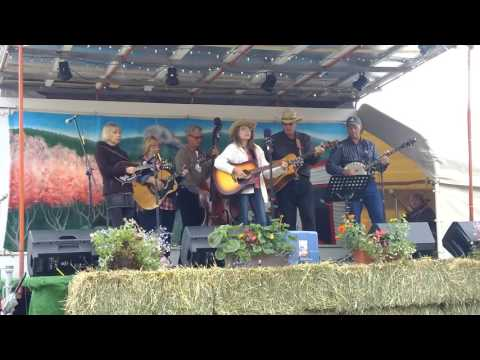 Xxx Mp4 Bree And The Crackers Deep In The Valley Summerland Bluegrass Festival 2016 3gp Sex