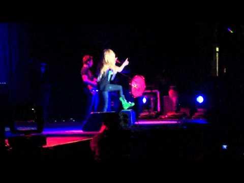 Avril Lavigne - Girlfriend - Live in Belo Horizonte BR