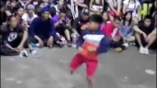 رقص هيب هوب تحدي بين الكبار والصغار