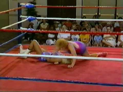 Candi Devine vs Joyce Grable