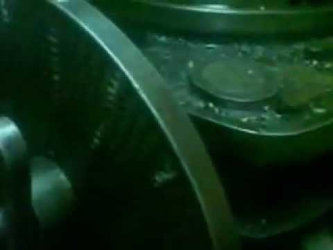 mortajadora fabricando separador estriado