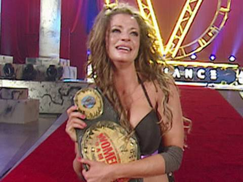 WWE Alumni: Candice Michelle defeats Melina for the Women's