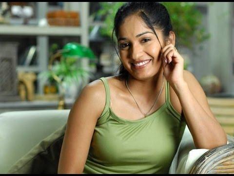 Nacchavule Movie Songs - Ninne Ninne Kora - Tanish,Madhavi Latha