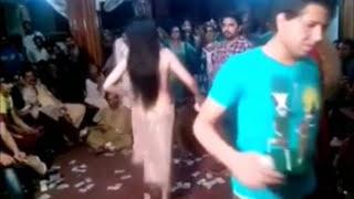 Hot Sexy Pakistani mujra in private wedding