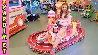OYUN PARKINDA ELEKTRİKLER KESİLDİ BABA YARDIM ET !! Eğlenceli Çocuk Videosu The Wheels on the Bus