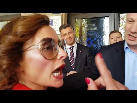 Xxx Mp4 Opozicija Protestvovala Ispred REM A Gđa Zekić Ispred REM Podržala Porno Rijaliti 3gp Sex